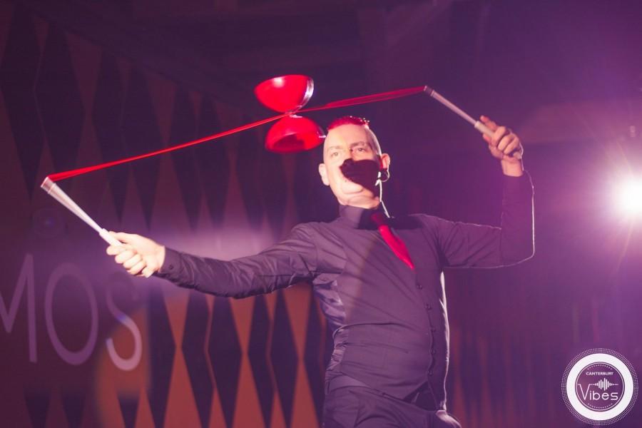 Paul Incredible performing vertical diabolo at Chromos restaurant